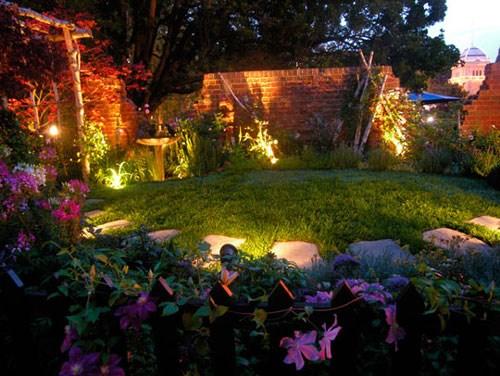 Bí quyết chọn vật dụng để trang trí sân vườn