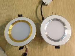 Cách xử lý nhanh chóng khi đèn LED âm trần 3 màu đổi không đều