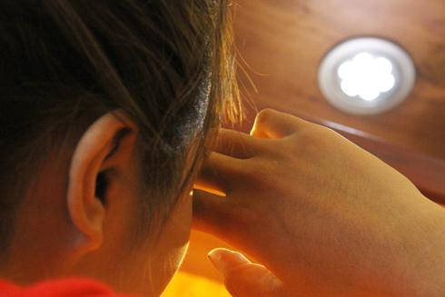 Đèn LED tiếp xúc thường xuyên có thể gây mù
