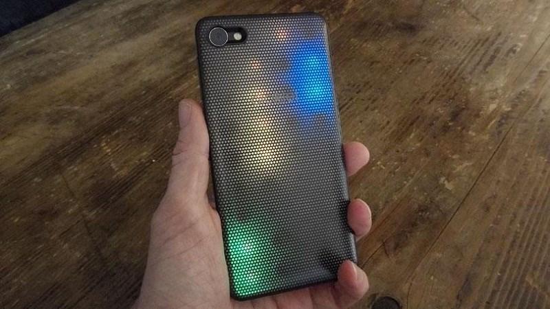 Alcatel A5 LED mặt lưng có đèn LED đổi màu