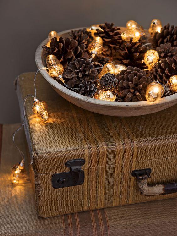 Gợi ý cách trang trí nhà với đèn LED dây cho Giáng sinh thêm ấm áp
