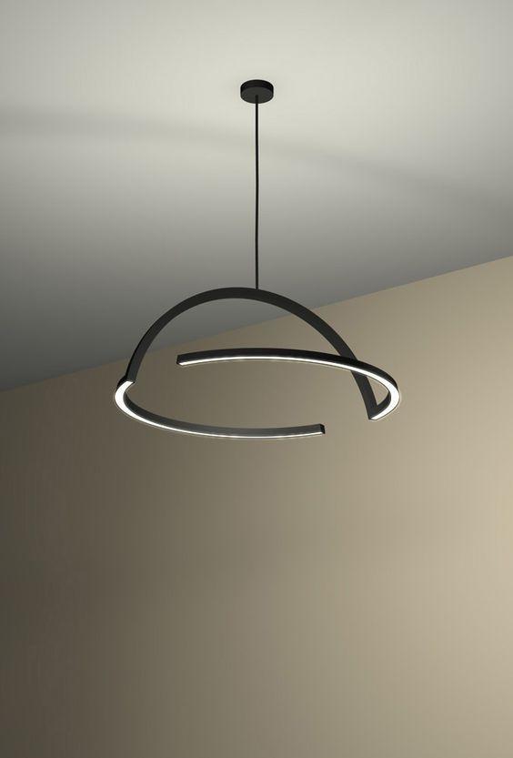 """Thay vì sử dụng một khối đèn lớn, trong một phòng khách Minimalism, tuyến được sử dụng rất nhiều. Nhằm tạo ra một loại đèn """" ẩn mình """" về hình dáng, nếu tắt hết nguồn sáng xung quanh."""