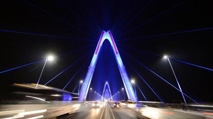 Những công trình chiếu sáng đẳng cấp tô đẹp Hà Nội ảnh 1