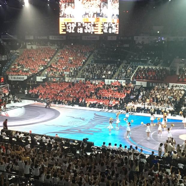 Chán sân truyền thống, người Nhật đã tạo ra sân bóng rổ điện tử đầu tiên trên thế giới - Ảnh 5.