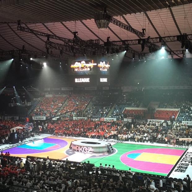 Chán sân truyền thống, người Nhật đã tạo ra sân bóng rổ điện tử đầu tiên trên thế giới - Ảnh 4.