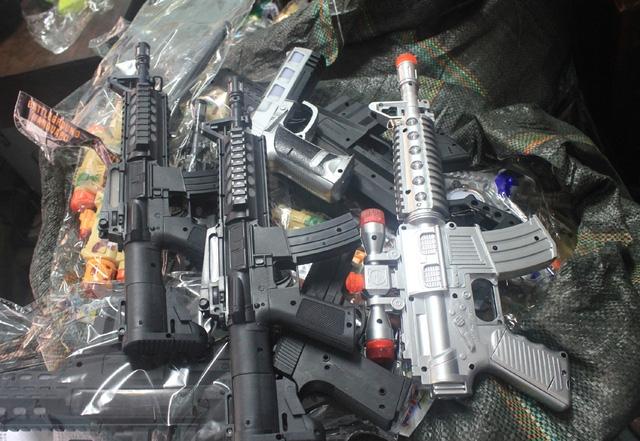 Hiếm ai không biết những khẩu súng chạy pin này