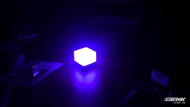 Đèn đang hoạt động ở chế độ chuyển màu.
