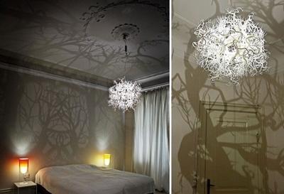 Một bóng đèn ngủ Led được thiết kế như một bộ rễ. Khi bạn bước vào phòng ngủ, sẽ có cảm giác êm ái, dịu dàng và thoải mái như đang dưới bóng cây râm mát.