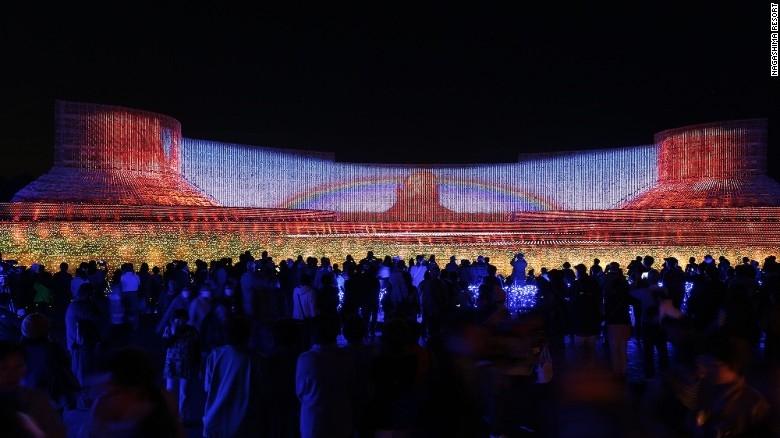 Nhật Bản: Lễ hội ánh sáng mùa đông rực rỡ với 8 triệu bóng đèn LED - Ảnh 2