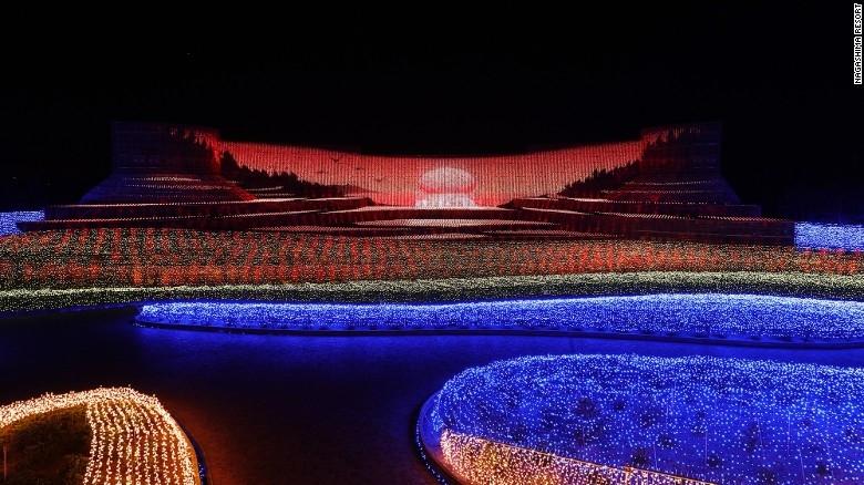 Nhật Bản: Lễ hội ánh sáng mùa đông rực rỡ với 8 triệu bóng đèn LED - Ảnh 3