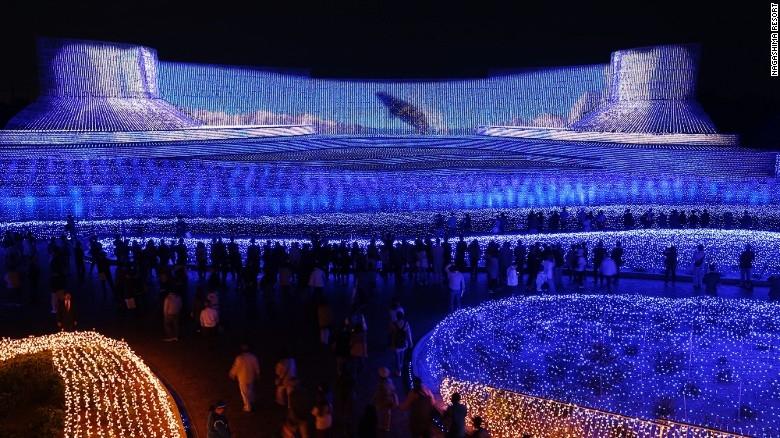 Nhật Bản: Lễ hội ánh sáng mùa đông rực rỡ với 8 triệu bóng đèn LED - Ảnh 9