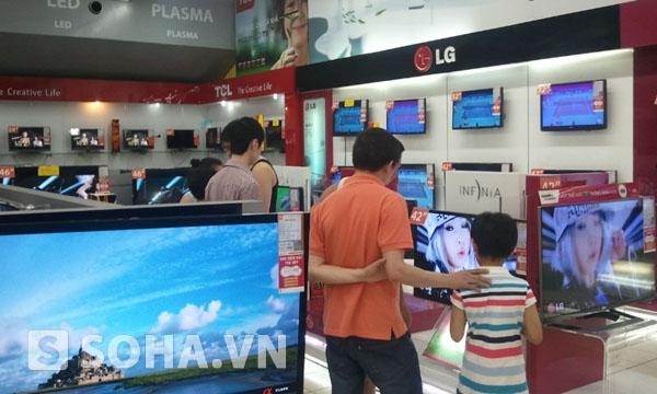 Thị trường tivi phẳng màn hình rộng hiện nay đang được chia làm 3 loại công nghệ là LCD, PLASMA VÀ LED.