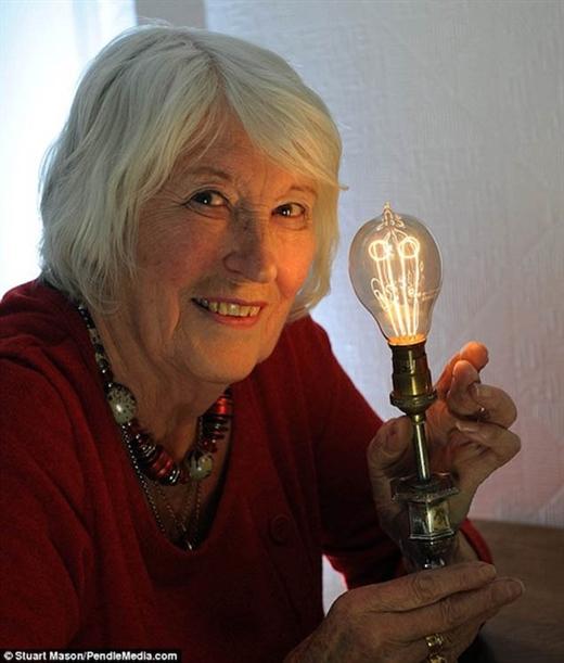 Những bóng đèn cổ sống thọ trăm tuổi