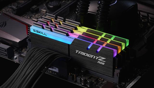 Đã có RAM gắn LED 'bảy sắc cầu vòng'