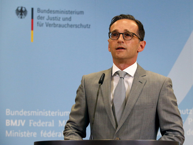 Đức ra luật mới phạt 55 triệu USD cho những tin tức giả mạo trên Facebook, Google