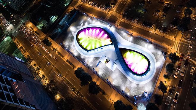 Nike ra mắt đường chạy LED đầu tiên trên thế giới, người tham gia có thể chạy đua với chính mình